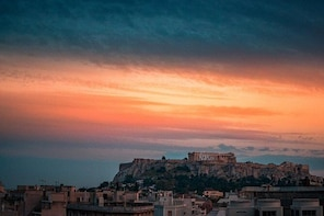 Sunset at the Acropolis and Museum Private Guided Tour
