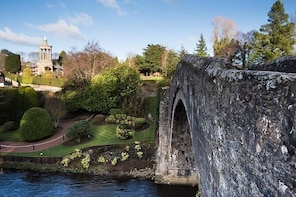 The Robert Burns Shore Experience - Private day tour (1 to 8 People)