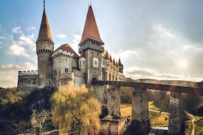Private day trip to Corvin Castle and Alba Carolina Fortress from Cluj-Napo...