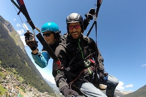 Klosters Tandem Paragliding Flight from Gotschna