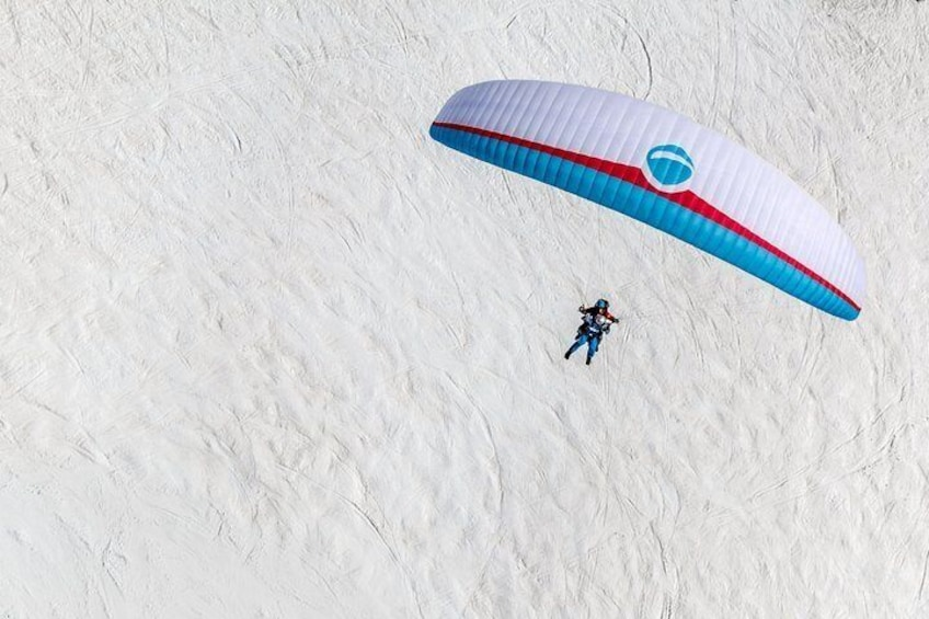 Show item 5 of 13. Paragliding in Winter