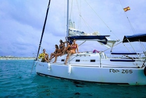 Enjoy sailing and snorkelling in Alicante. Price per group, up to 7 passeng...