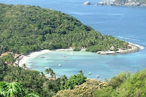 Las Gatas Kayaking and Snorkeling Tour