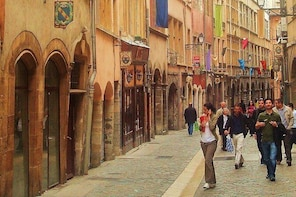 Lyon Highlights & Secrets Walking Guided Tour (small group) including Funic...
