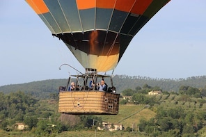 Day Trip: Hot Air Balloon Ride With Breakfast + Assisi And Spello With Lunc...