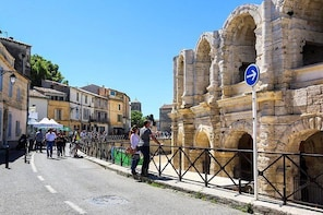 Classic old town Arles from Romans to Vincent Van Gogh - half day private t...