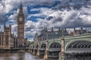 Exclusive fashion tour with your own stylist in London