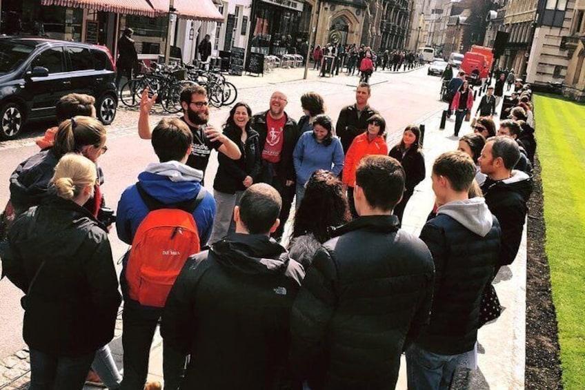 Distanced   Cambridge University Punting & Walking Tour Led By Alumni
