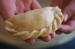 Learn to Make Empanadas & Alfajores with a Rosario Resident in her Home