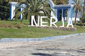 Guided walk around Nerja including one beverage and tapa.