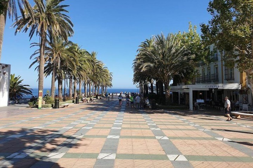Private guided walk around Nerja including one beverage and tapa.