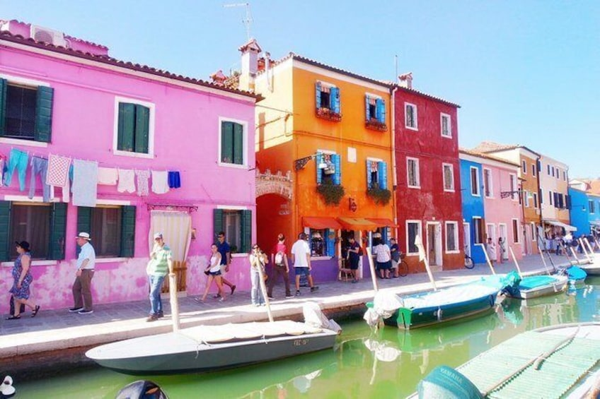 Show item 4 of 6. Photo Shooting in Burano island