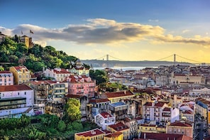Lisbon to Porto day trip with stops in 3 cities