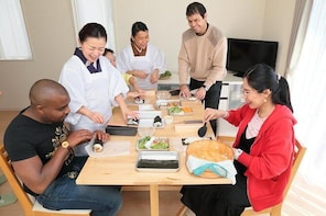 Home-made Sushi and Supermarket Tour in Kamakura