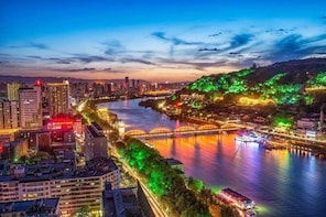 4-Hour Private Illuminated Lanzhou Tour: Yellow River and Food Street with ...