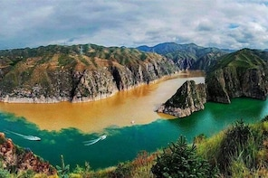 Yinchuan Private Day Tour to Qingtongxia Yellow River Canyon and 108 Dagoba...