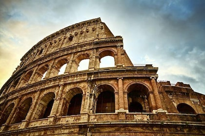 1 Day Skip-The-Line Morning Colosseum & Afternoon Vatican Small Group Tours