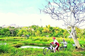 Fun Bike around the Villages and Fish Farming