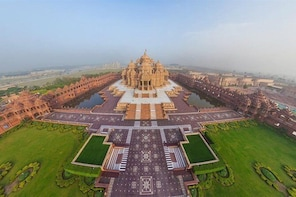 Private Morning Excursion with Visit to Akshardham Temple with Guide & Tran...
