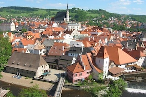 Private Return Day Trip from Linz to Cesky Krumlov with Guided Tour