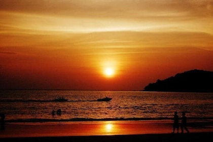 Langkawi Sunset Cruise Including Private Hotel transfers and dinner
