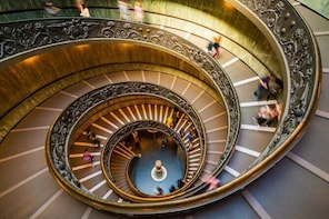 Fast Track - Vatican Tour with Museums, Sistine Chapel & Raphael rooms