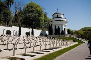 Private tour of Lychakiv Cemetery in Lviv
