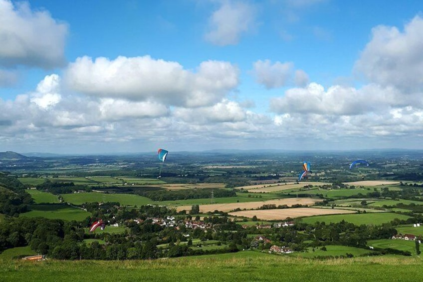 Paragliders at Devil's Dyke