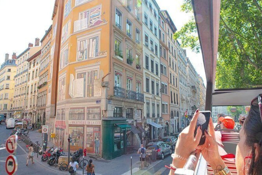 Show item 5 of 5. Discover the famous painting walls of Lyon.