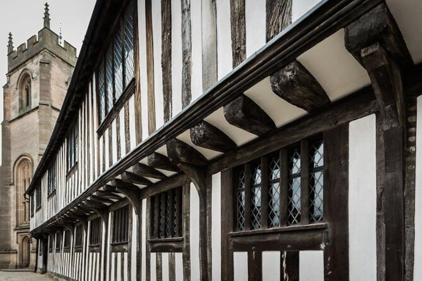 Skip the Line: Shakespeare's Schoolroom and Guildhall Entry Ticket and Tour