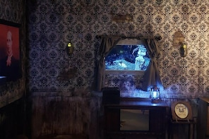 Poltergeist Interactive Escape Room in Northfield, New Jersey