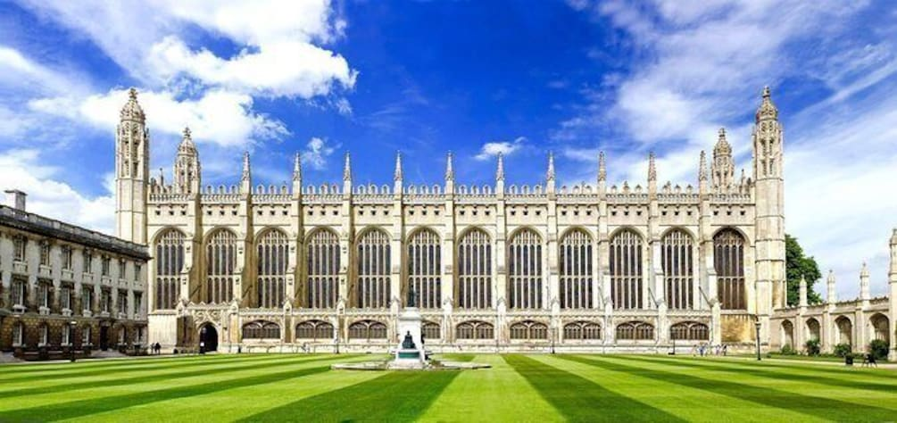 Historic Cambridge: A Guided Walking Tour
