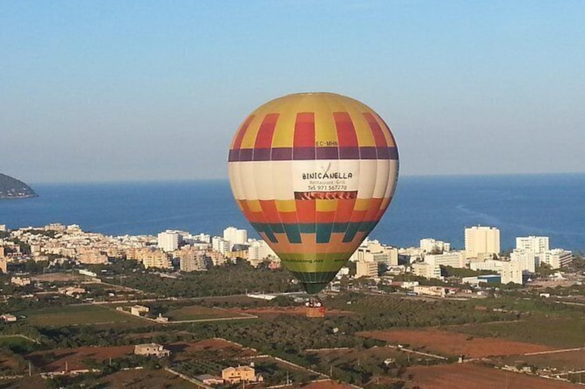 Show item 4 of 8. Private Hot Air Balloon Ride in Mallorca with Champagne and Tapas