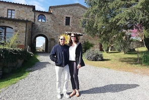 Brunello di Montalcino Wine Tour of 3 Wineries with Pairing Lunch