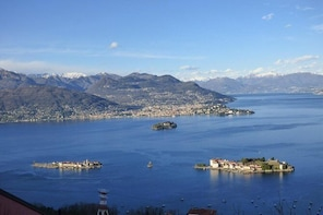 Borromean Islands Hop-On Hop-Off Boat Tour from Stresa