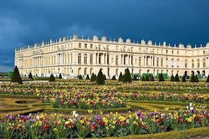 Guided tour of the Palace of Versailles and gardens from Paris by private c...