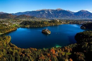 Slovenia in One Day: Small-Group Day Trip to Lake Bled, Postojna Cave and P...