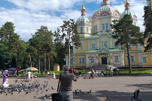 Almaty 3-Hour Private Tour with Green Bazaar, Panfilov Park & Almaty Museum