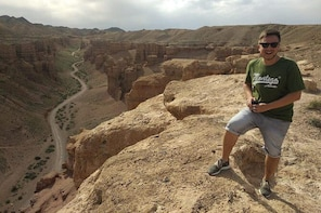 Charyn Canyon Private Day Tour, Inclusive of Lunch and Hotel Pickup