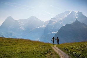 Lauterbrunnen Waterfalls & Mountain Trail Private Hiking Tour from Grindelw...