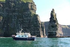 From Galway: Aran Islands & Cliffs of Moher including Cliffs of Moher cruis...