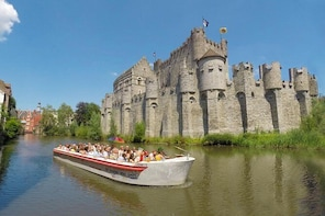Guided boat trip in mediaeval Ghent