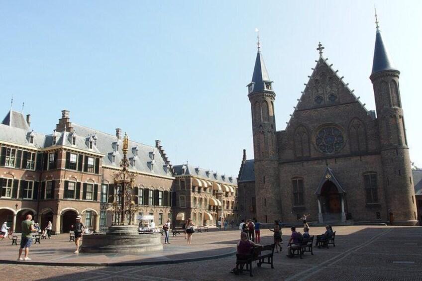 The Hague like a local