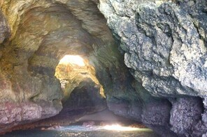 Superb Private tailor-made caves tour with highly skilled skipper