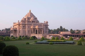 Private Akshardham Light and Sound Show followed by Dinner