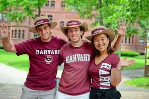 Harvard Campus Walking Tour with Admission to Harvard Museum of Natural His...