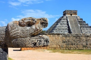 Chichen Itza Traditions (Small groups,incredible cenote,lunch,drinks,vallad...