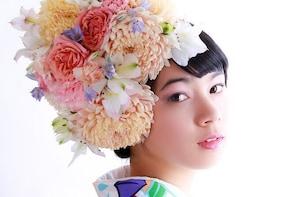 PREMIUM Course : Kimono Rental, Makeup & HANANINGEN Flower Hairdo Photoshoo...