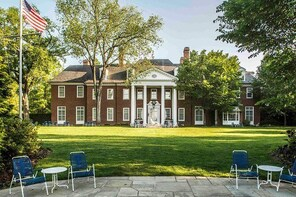 Hillwood Estate, Museum & Gardens Admission Ticket