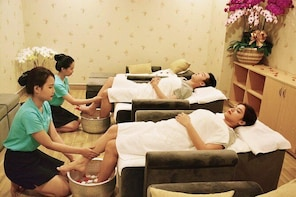 Tan Son Nhat Airport Foot & Body Massage With Hot Stones 90 Minutes